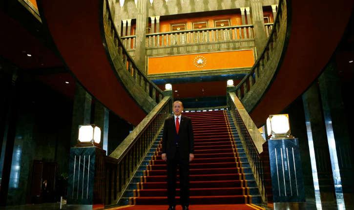 Erdogan «contraint» d'installer ses quartiers dans son luxueux palais a cause des cafards