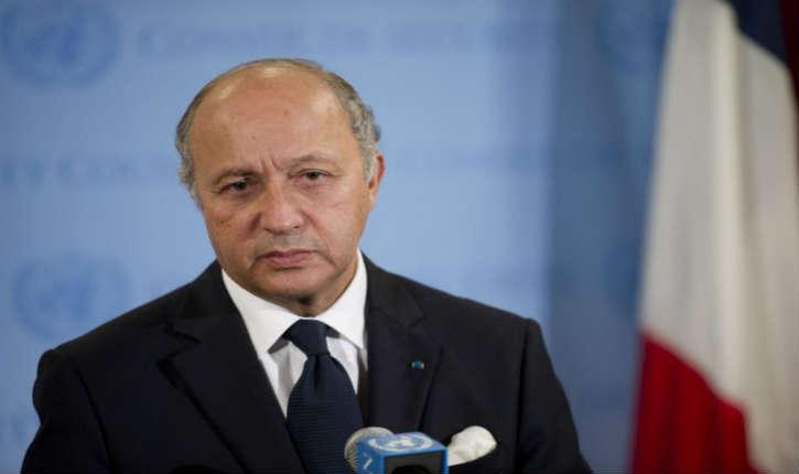 La France ne veut pas boycotter « Le Colonisateur » selon Laurent Fabius