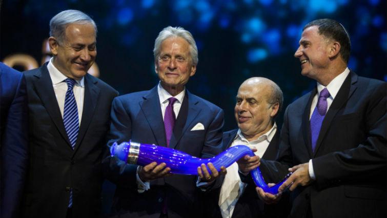 Michael Douglas en Israël pour recevoir le Prix Genesis de 2 millions $