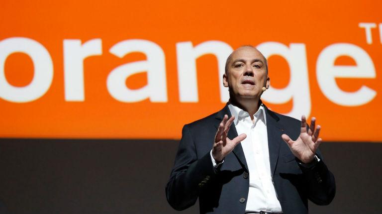 Orange veut mettre fin à sa coopération avec un opérateur israélien. Son PDG soutient le boycott d'Israël et se lance dans une opération de léche-babouche commerciale…