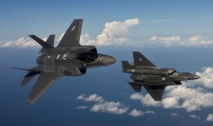 Etats-Unis: la flotte des chasseurs furtifs F-35 clouée au sol après un crash