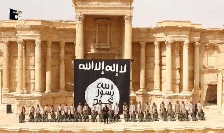 Syrie: L'Etat islamique a exécuté  25 soldats syriens par des adolescents, dans l'amphithéâtre de Palmyre