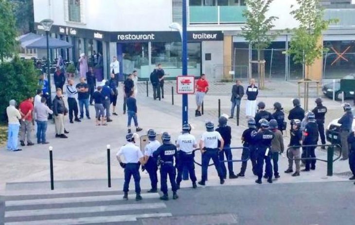 Reims (51) : des policiers attaqués aux cris de « On prend les armes et on va les niquer ! Allah Akbar ! »