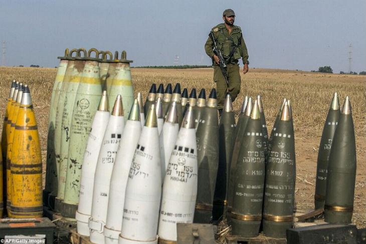 Londres lève son embargo controversé sur la vente d'armes à Israël. Cet embargo avait été instauré par un démocrate pro-palestinien
