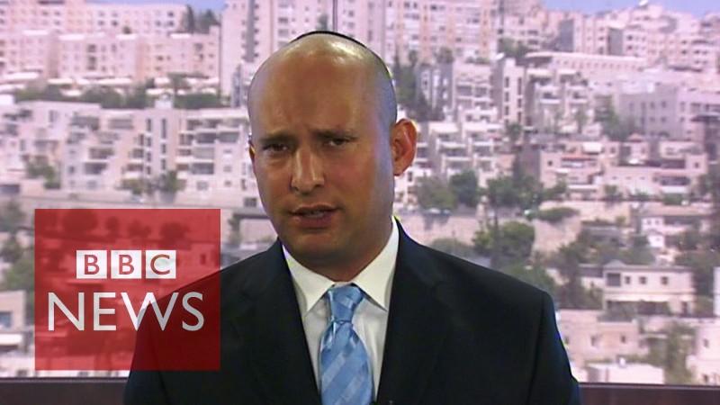 [Vidéos] – Déclaration de Netanyahu à l'annonce de l'accord et Naftali Bennett face à une journaliste de la BBC hostile et agressive.