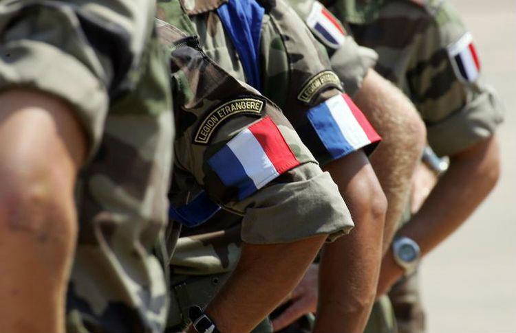 Une cinquantaine de policiers, gendarmes et militaires auraient rejoint des groupes d'auto-défense pour lutter contre le «péril islamiste», selon Médiapart