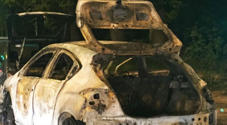 Un triste record pour 2015: 721 voitures brûlées au cours des soirées du 13 et 14 juillet. La «guerre civile» dont les médias ne parlent pas
