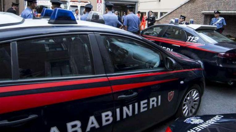 Italie : des migrants mineurs frappent le responsable d'un centre d'accueil et violent une employée
