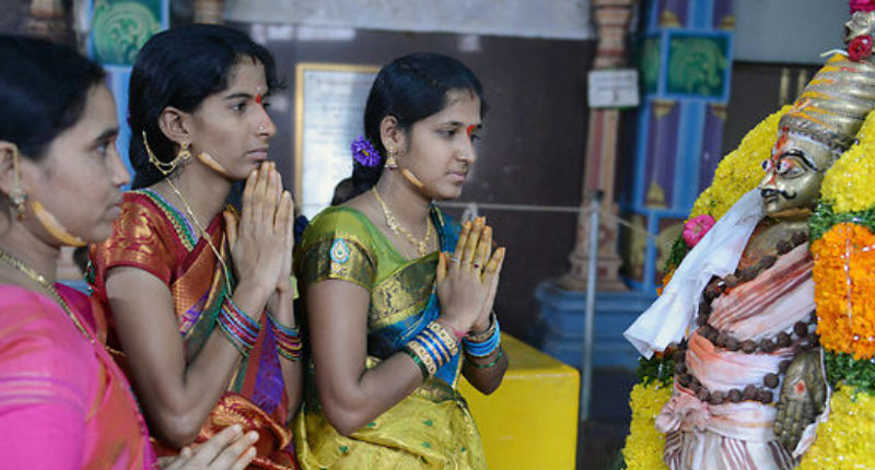 Inde: Deux soeurs sont condamnées à être violées et à être exhibées nues