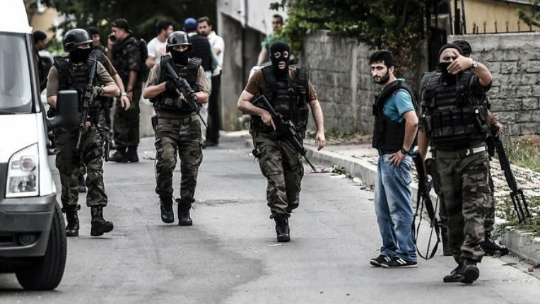 [Vidéo] Turquie: attaques contre le consulat des Etats-Unis et un poste de police, 3 morts