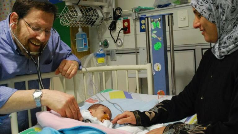 Israël: 607 bébés palestiniens sauvés par des cardiologues israéliens du CHU Hadassah