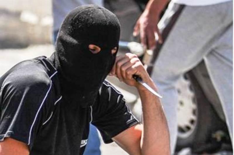 Un Israélien poignardé par un colon arabe