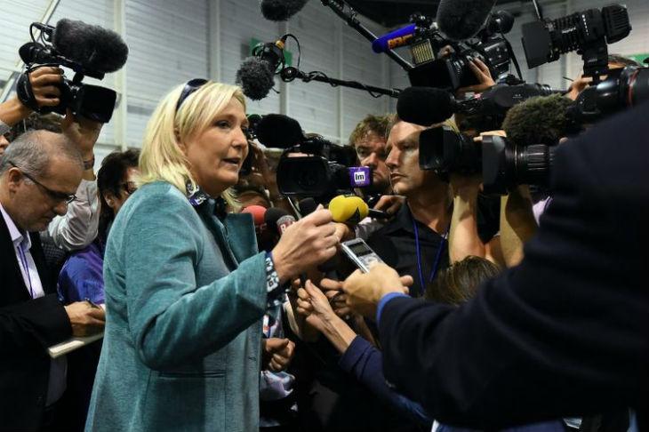 Marine Le Pen « il y a des villes, des quartiers où la pression de l'immigration fait qu'elle en repousse les anciens habitants, c'est une réalité de fait »