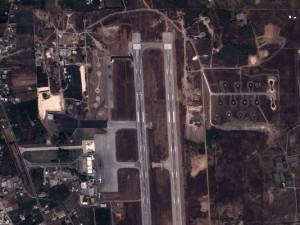 Image satellite prise le 4 septembre par satellite Pléiades montre une vue d'une base militaire dans la ville côtière syrienne de Lattaquié.