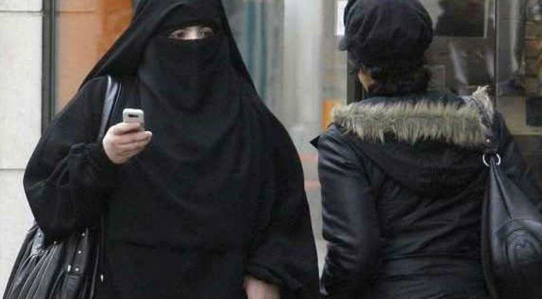 """Valence (26): Agression de deux femmes homosexuelles par des musulmanes. """"sale Arabe"""" vs """"sales gouines"""" le vivre ensemble mis à mal"""