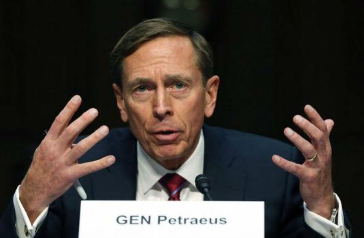 L'ancien directeur de la CIA David Petraeus: «la Syrie est devenue une géopolitique de l'extrémisme et du chaos. Les USA doivent agir agressivement contre le régime syrien»