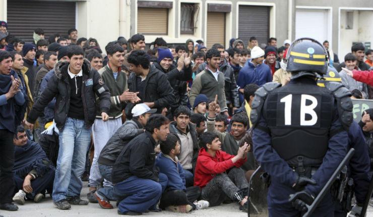 France, accueil des migrants : La Cour des comptes estime le coût à 13 724 euros par migrants. Le vrai coût de l'accueil se chiffre déjà en milliards