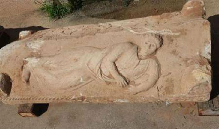 Israël: Découverte d'un très rare sarcophage de l'époque romaine