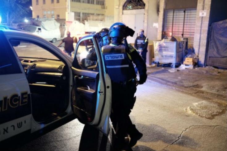 Une centaine d'islamistes arabes cagoulés manifestent violemment à Yaffo. Six policiers légèrement blessés
