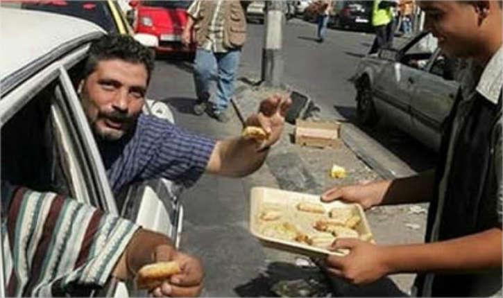 Assassinat du jeune couple Henkin, le Fatah de Mahmoud Abbas jubile en distribuant des bonbons