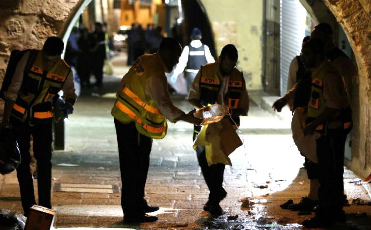 Témoignage d'Adèle Benet poignardée par un terroriste à Jérusalem « J'ai appelé à l'aide et les arabes m'ont crachée dessus. Ils riaient et m'insultaient. »