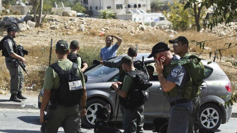 Face au terrorisme djihadiste, les Israéliens s'équipent : bombes lacrymogènes, armes à feu, services de sécurité renforcés