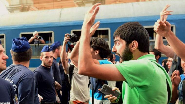 L'Allemagne débordée par l'afflux de migrants, la police est inquiète