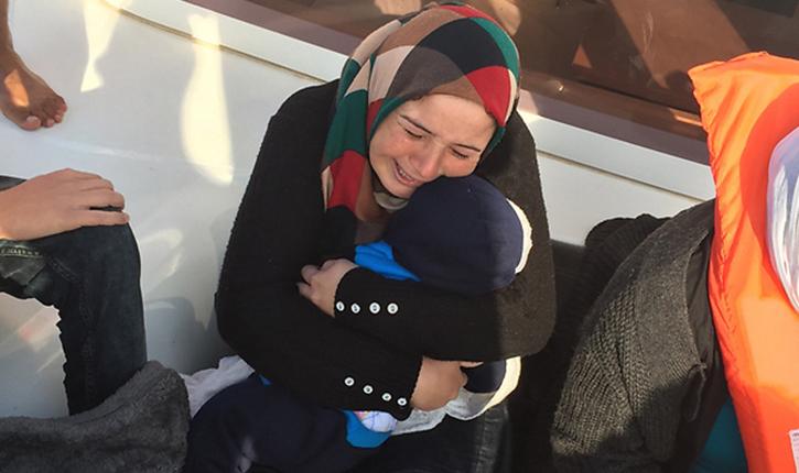 Des israeliens sauvent une famille syrienne échouée en mer «ils nous ont embrassé»