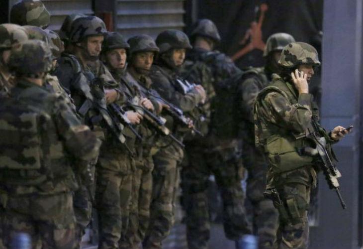 Assaut du Raid en cours à Saint-Denis : Au moins trois morts. Une femme aurait fait sauter sa ceinture explosive