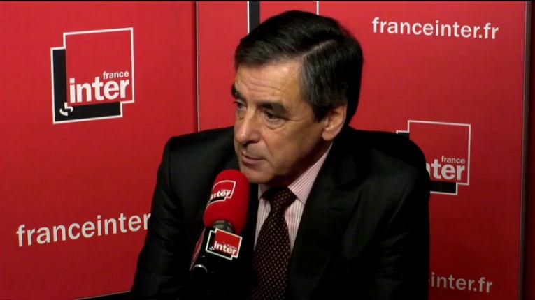 Régionales : Fillon accuse Bartolone de « discrimination antifrançaise », « en stigmatisant la race blanche, Bartolone manifeste une intolérance blessante pour tous les Français »