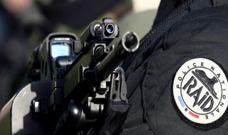 Ultra-droite : 10 personnes ont été interpellés en raison d'un projet d'attentat contre des mosquées et des politiques dont Jean-Luc Mélenchon