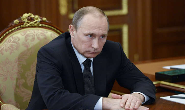 Vladimir Poutine au sujet de l'avion russe abattu: « Il s'agit d'un coup dans le dos porté par les complices du terrorisme »