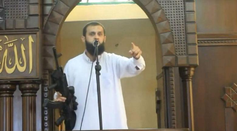 Le cheikh du Hamas Abu Funun «  Hitler n'a rien fait, il n'existe aucune preuve de l'Holocauste. Les sionistes sont plus nazis qu'Hitler »