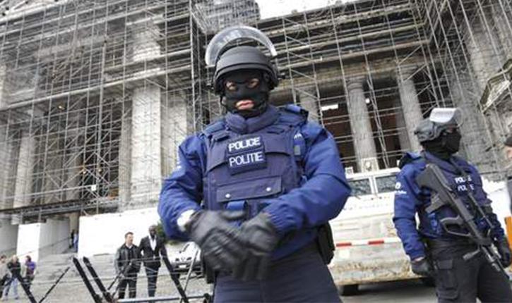 Terrorisme : les policiers belges inquiets par la découverte d'uniformes de police à Anderlecht