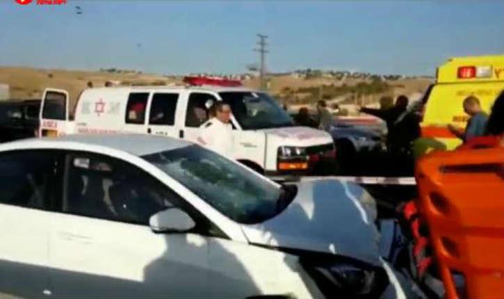 [Vidéo] Judée-Samarie: 8 soldats et officiers blessés dans deux attaques à la voiture-Bélier