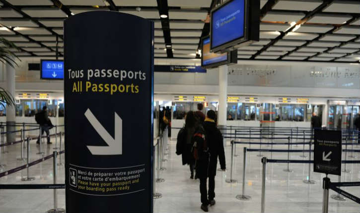 Aéroport de Roissy: un employé perd son emploi après avoir trouvé 20.000€ égarés par un ambassadeur marocain