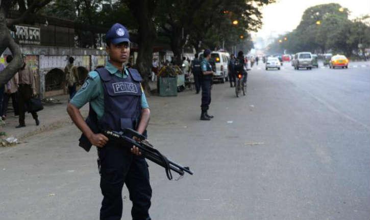 Bangladesh: un kamikaze se fait exploser dans une mosquée