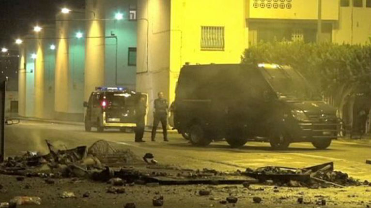 Espagne : La mort d'un migrant Guinéen provoque des émeutes de migrants à Roquetas de Mar