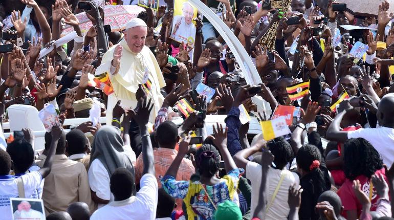 Le pape François corrige sa pensée sur la question de l'accueil des réfugiés et appelle les États européens à « la prudence »