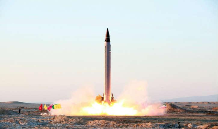 Donald Trump remet en cause l'accord avec l'Iran sur le nucléaire : «L'Iran vient de tester un missile balistique capable d'atteindre Israël. Nous n'avons pas vraiment un accord !»