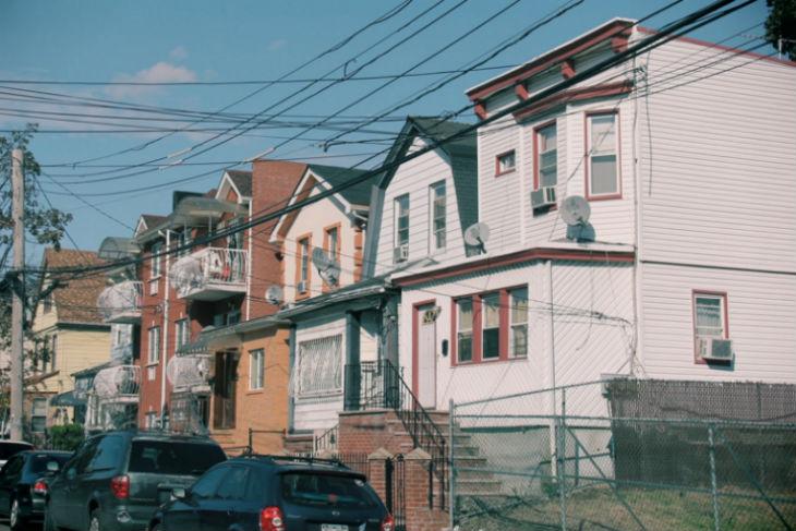 New York : Un pyromane antisémite cible des maisons juives dans un quartier du Queens