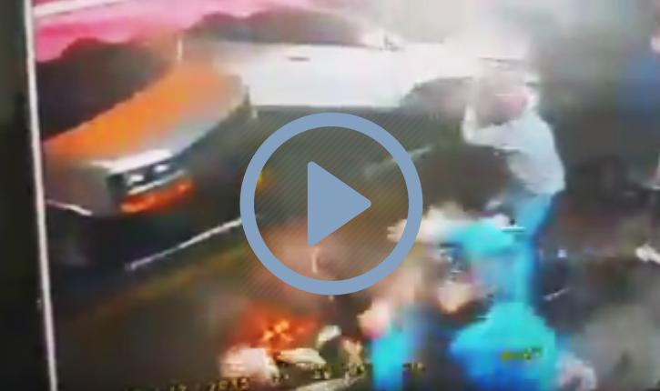 Combat de rue : 3 soudanais attaquent un israelien champion de combat