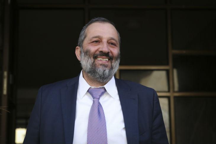 AFP : Flagrant délit de propagande anti-israélienne en qualifiant le nouveau ministre de l'Intérieur, Arye Deri, de « repris de justice »
