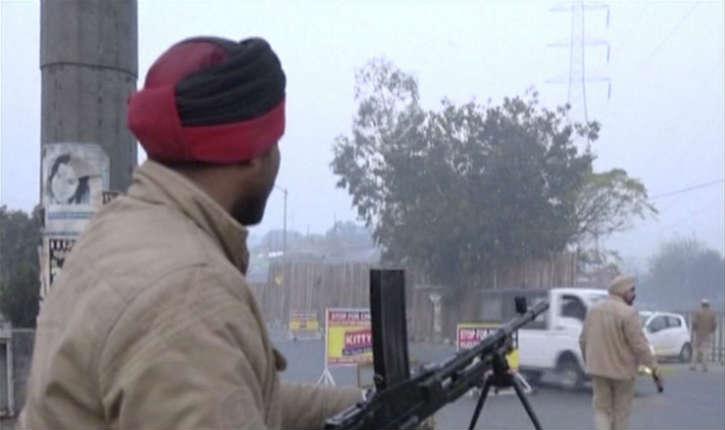 Une base militaire indienne attaquée par un groupe d'islamistes présumés