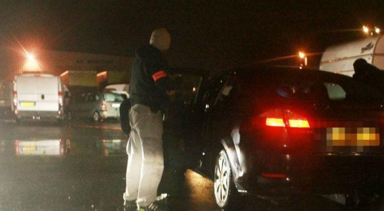 Fréjus: renversée par une voiture car elle arborait un drapeau français