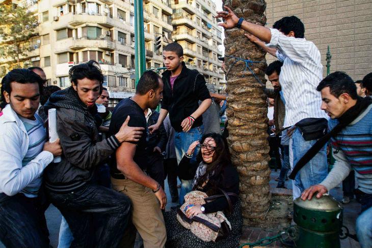 Le «Taharrush gamea» ou «viol collectif» en arabe, fait-il son apparition en Europe ?
