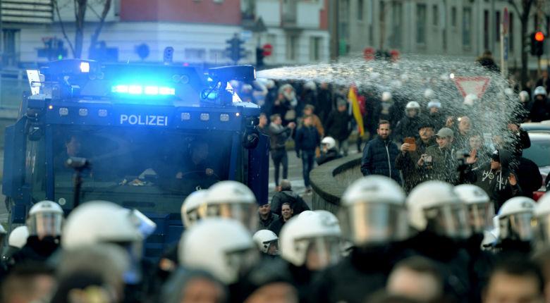 «L'afflux des migrants risque de provoquer une guerre civile et religieuse en Europe»