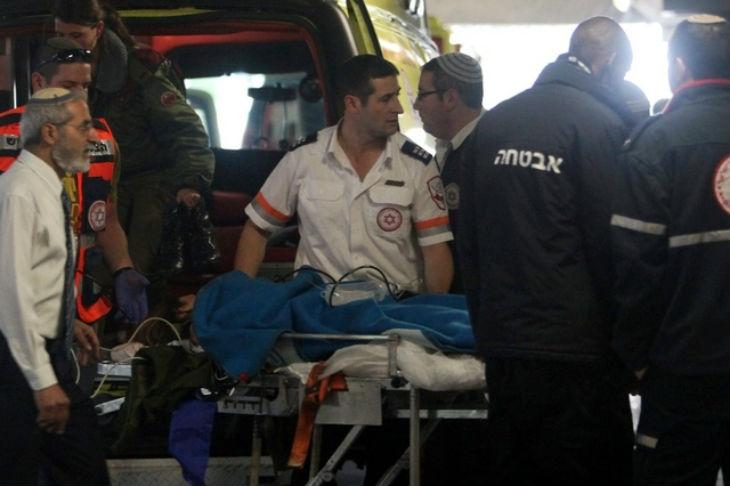 Judée Samarie: Un islamiste blesse au couteau un soldat israélien et est abattu