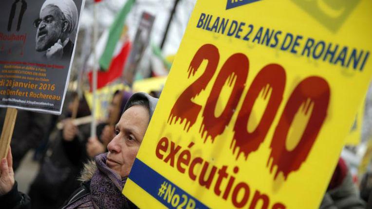 Hassan Rohani à Paris : le témoignage choc d'une opposante iranienne