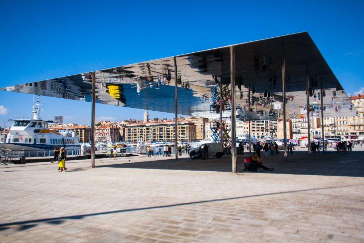 Marseille, attaque antisémite: Pourquoi la manifestation d'associations satellites du PS et de l'extrême gauche, SOS racisme, l'UNEF, l'UEJF a été un tel bide